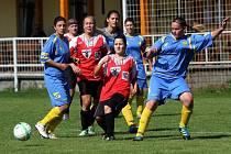 Fotbalistky Nových Sadů (v červeném). Ilustrační foto