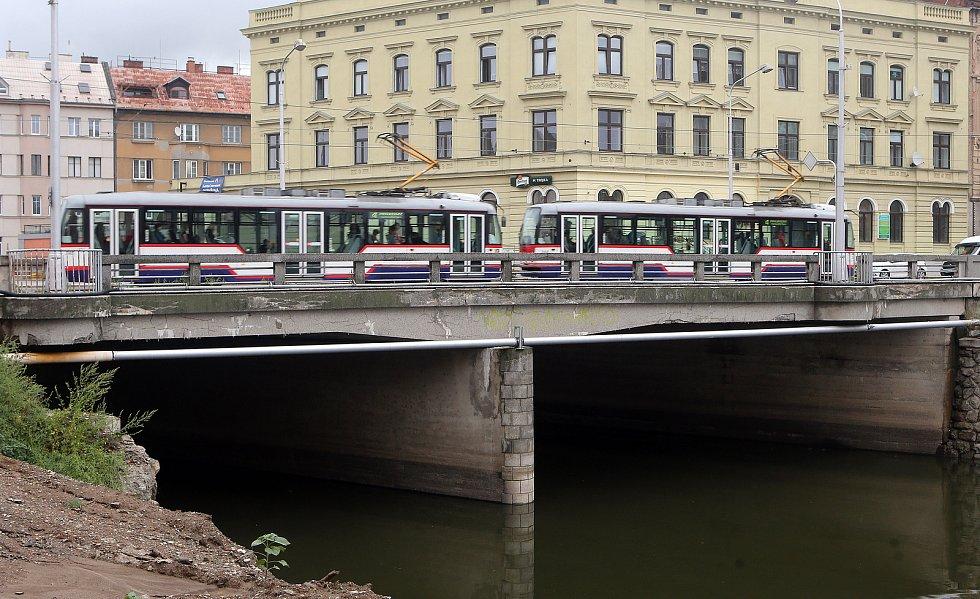 Při plánované výstavbě nového mostu na Masarykově třídě nepojede MHD.