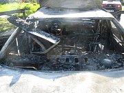 Požár peugeotu v Bukovanech