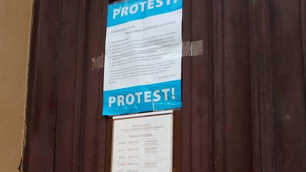 Desítky praktických lékařů a ambulantních specialistů z Olomoucka se 18. října 2017 připojily k jednodenní stávce