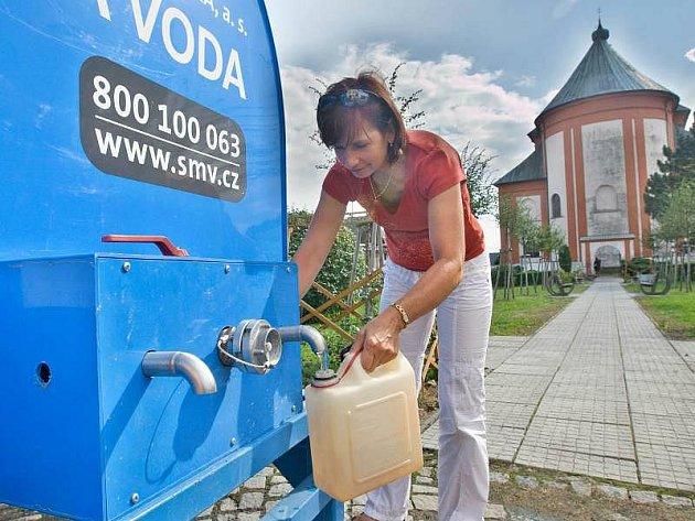 Cisterna s pitnou vodou v Jívové