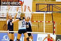 Volejbalistky Šternberku (v modrém). Ilustrační foto.