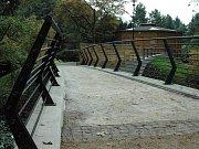 Nová lávka přes Mlýnský potok v Bezručových sadech