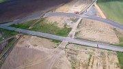 Průlet nad rozestavěnou dálnicí D1 mezi Přerovem a Lipníkem