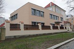 Nová přístavba s jídelnou na ZŠ Hálkova v Olomouci