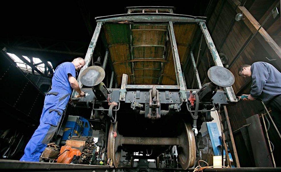 Rekonstrukce vagónu pro Legiovlak v Olomouci