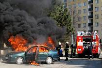 Požár seatu v Pionýrské ulici v Olomouci
