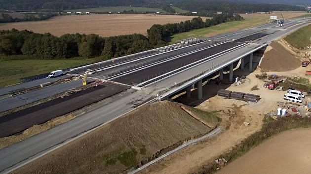 Výstavba dálnice D1 Lipník - Přerov finišuje, stavba úseku Přerov - Říkovice ještě nezačala. Ilustrační foto