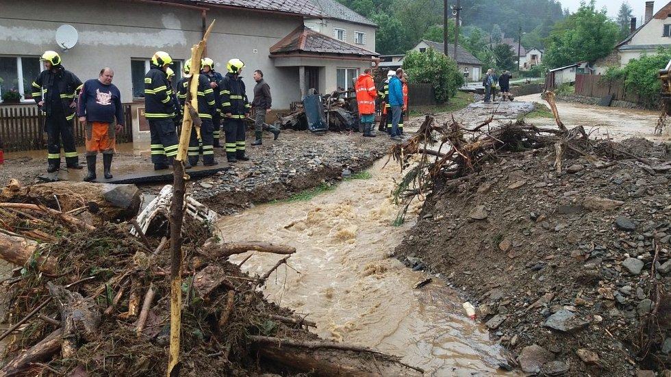 Břevenec 8. června 2020 ráno, následky bleskové povodně