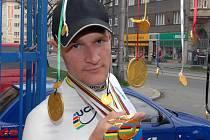 Alois Kaňkovský se už vrátil domů a teď ho čekají mohutné oslavy úspěchů z dráhařského mistrovství světa ve Španělsku.