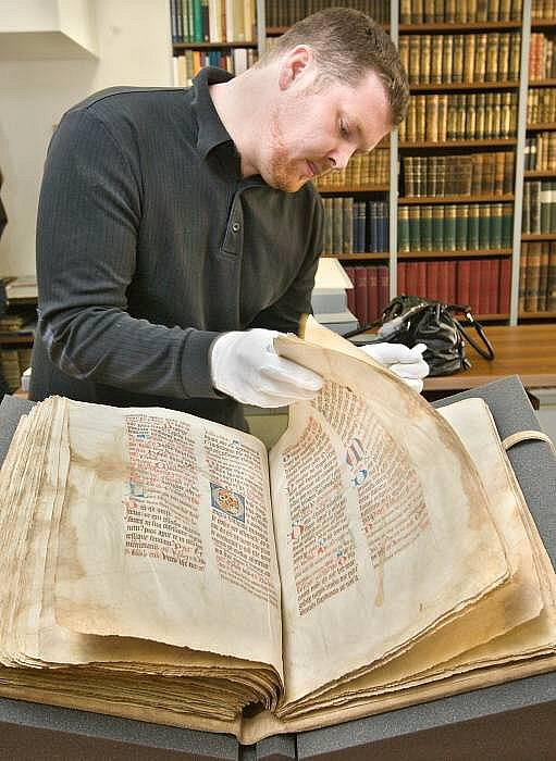 Opatovický misál je zpátky ve Vědecké knihovně v Olomouci