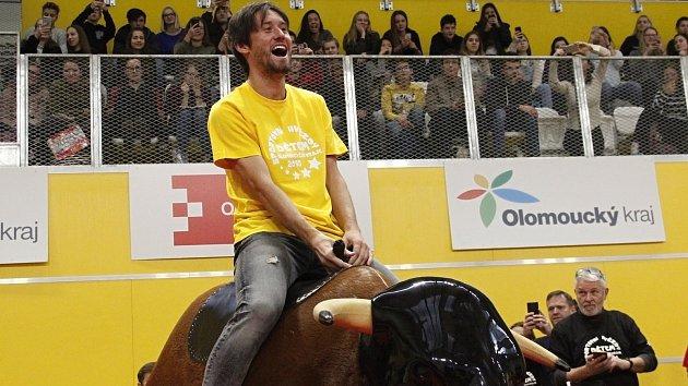 Sportovní hvězdy bavily děti v olomoucké Čajkaréně