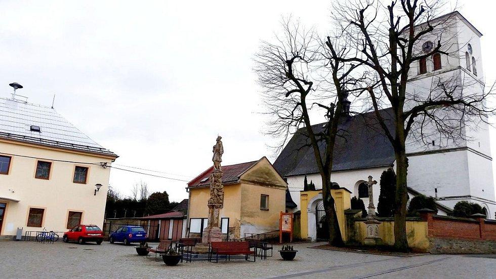 Náves v Šumvaldu