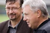 Uničovský kouč Zdeněk Strouhal a trenér HFK Petr Uličný