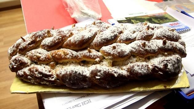 Její vánočky jsou vyhlášené a v soutěži o tu nejlepší, která se každoročně koná v Uničově na Olomoucku, lidem chutnají nejvíc. Také letos vánoční sladká pochoutka z nedalekého Medlova bodovala.