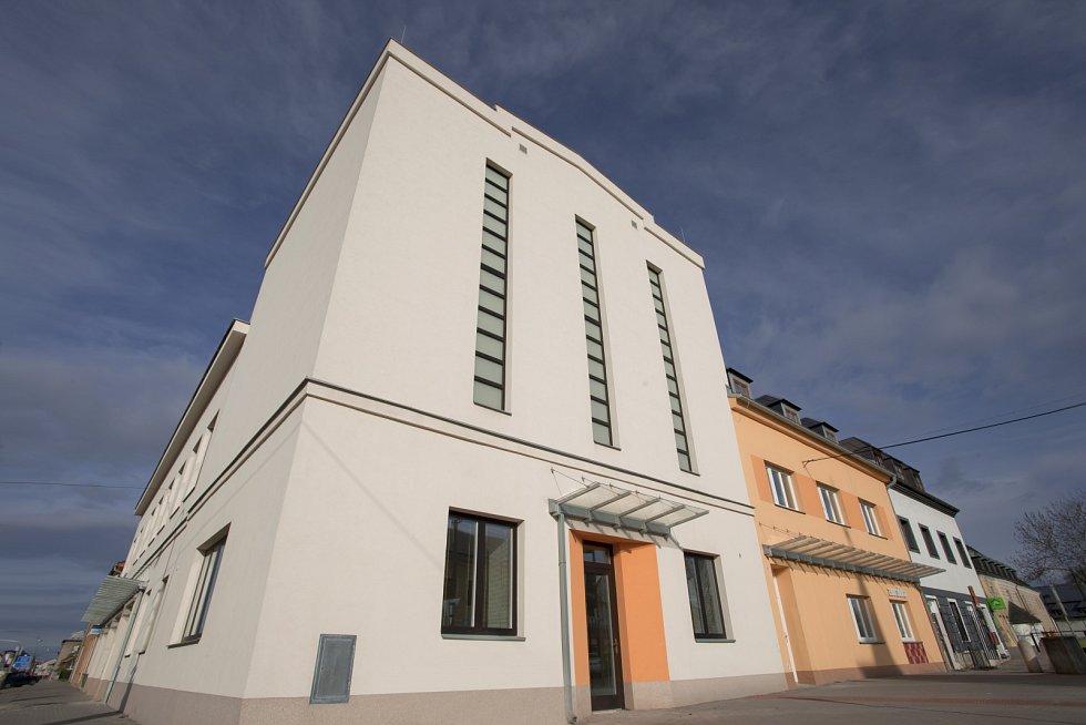 Nově opravený kulturní dům Nadační ve Velké Bystřici