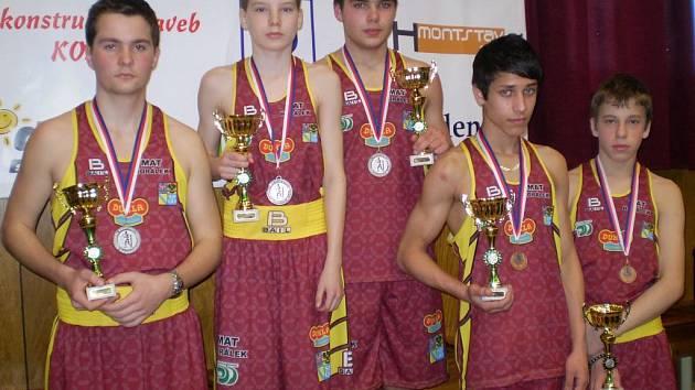 MEDAILISTÉ. Martin Šolc, Mário Wiedermann, Štefan Gábor, Pavel Polakovič, Jan Greho.