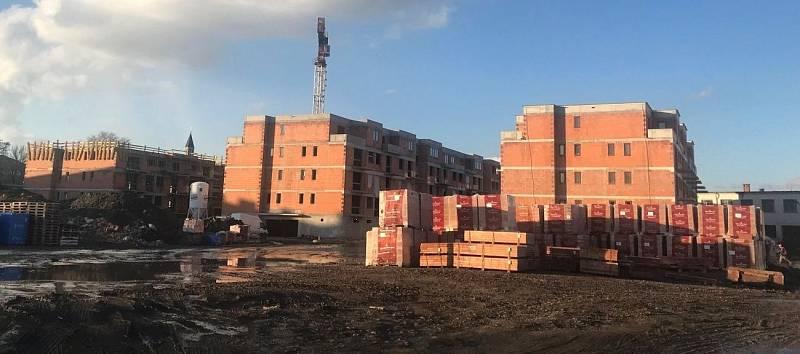 Stavba projektu Byty Šibeník v Olomouci. Začátek března 2020