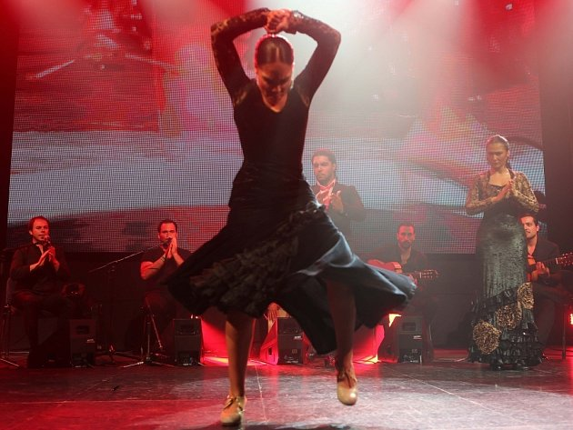 """Colores Flamencos - Hlavní festivalový koncert / """"SAVIA NUEVA"""" / KARIME-IVAN-ALBA & AMAYA-VARGAS-HEREDIA  Pavilon A, Výstaviště FLORA Olomouc"""