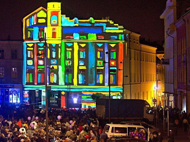 Festival VZÁŘÍ. Videomapping na Dolním náměstí