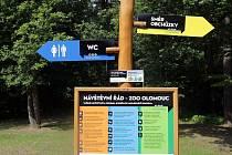 Nový vizuální styl olomoucké zoo proměnil ukazatele, cedule i mapy