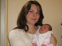 Aneta Nováková, Dolany, narozena 27. října v Olomouci, míra 49 cm, váha 3150 g