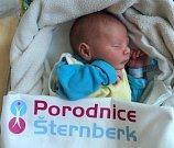 Tomáš Trnkal, Olomouc, narozen 25. února ve Šternberku, míra 47 cm, váha 2740 g