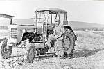 První traktor. Po mnohaletých obtížích bylo v roce 1957 v Daskabátu založeno Jednotné zemědělské družstvo. Začalo hospodařit na 137 hektarech půdy. Dobytek byl ustájen v soukromých usedlostech. V roce 1960 započala výstavba kravína na ustájení dojnic.