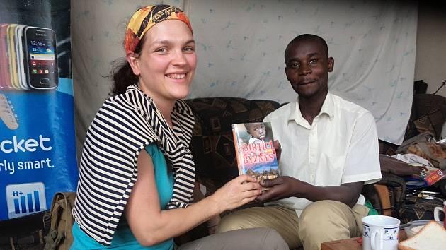 Hana Hindráková píše o palčivých problémech Afriky