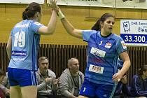 Klára Sovová (vpravo)