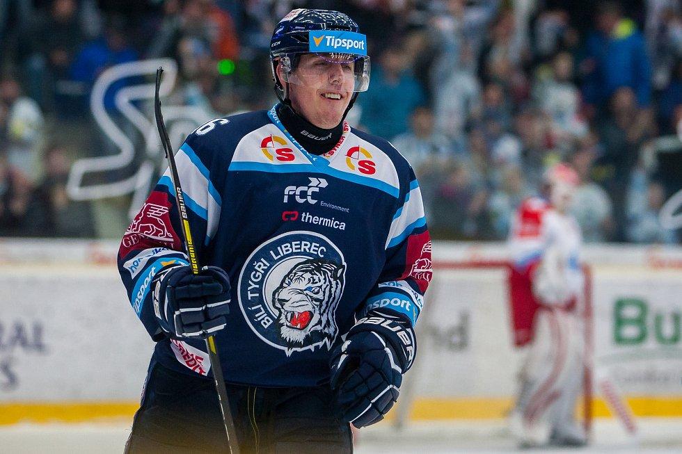Bílí Tygři Liberec proti HC Olomouc. Marek Kvapil.