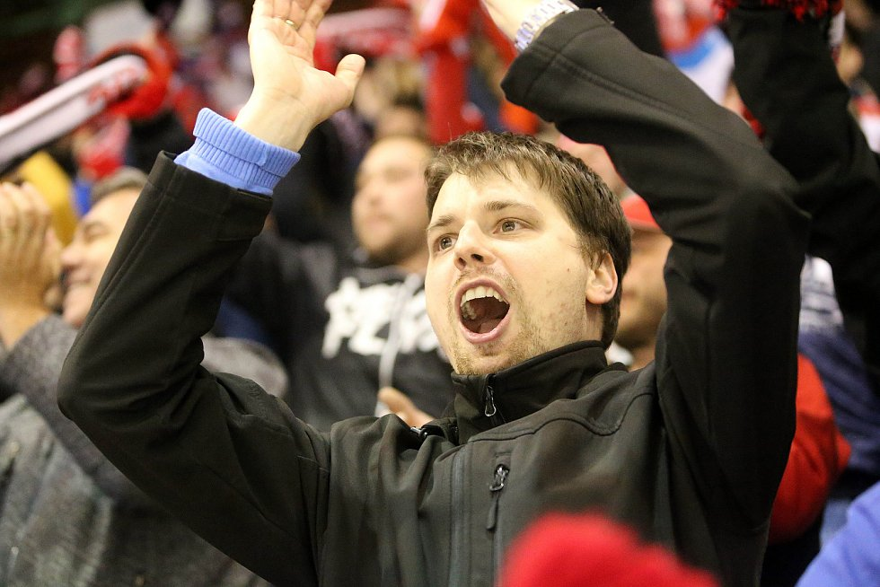 Fanoušci Mory na šestém čtvrtfinále Olomouc - Plzeň 4:1