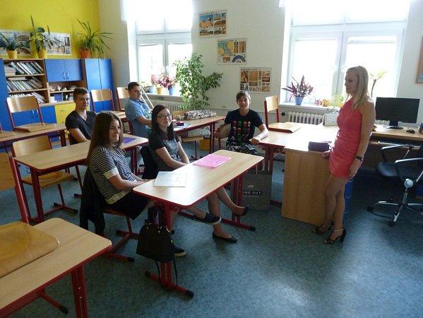 Předávání vysvědčení na ZŠ vHněvotíně - 9.ročník