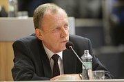 Alexander Černý. Zasedání zastupitelstva Olomouckého kraje, které má na programu odvolání hejtmana
