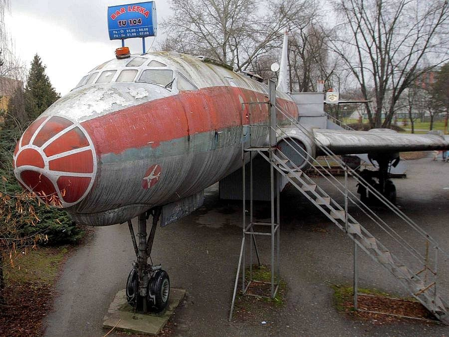 Vzpomínka. Letadlo Tu-104 ještě na svém olomouckém stanovišti