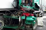 Hromadná nehoda tří kamionů a jednoho osobního auta na D46 - 13.5.2019