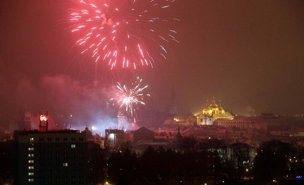 Novoroční ohňostroj v Olomouci 1. ledna 2015