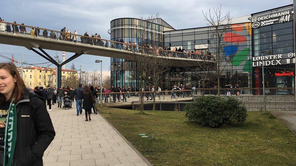 Nedělní evakuace obchodního centra Šantovka, 16. 2. 2020