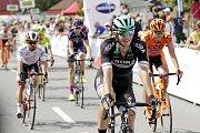 V Dolanech u Olomouce finišovala závěrečná čtvrtá etapa závodu Czech Cycling TourErik Baška (v černém)