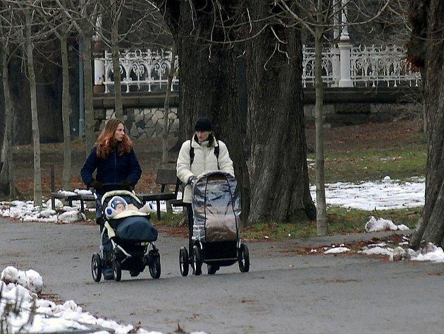 Parky jsou ideálním místem k procházkám.