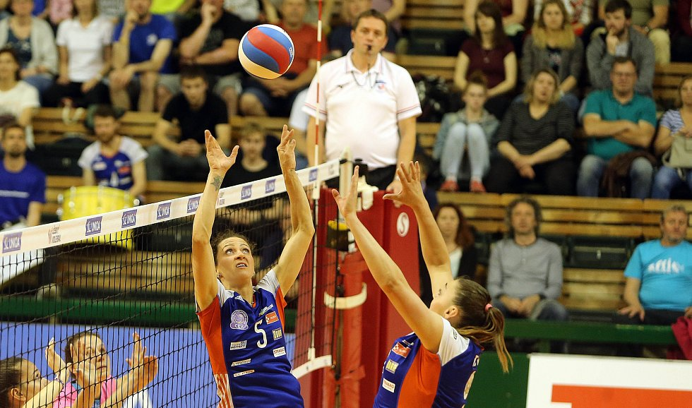 Olomoucké volejbalistky proti Prostějovu - třetí finálový zápas. Olomouc slaví titul