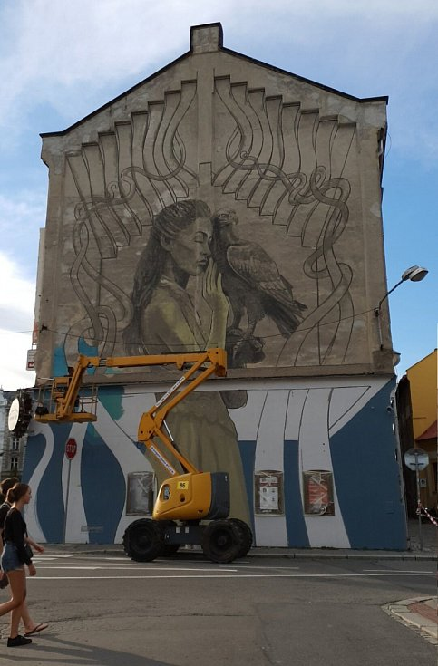 Street art na fasádě Passingerova mlýna v Lafayettově ulici v centru Olomouce