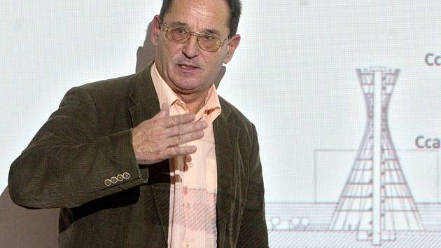 Podnikatel Josef Tesařík při prezentaci centra Spritualia