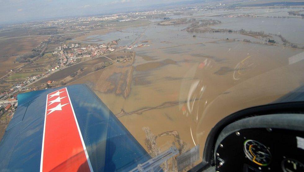 Nejinak dopadla i pole u Kožušan