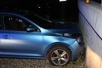 Nehoda oktávky při sjezdu z dálnice u Hněvotína