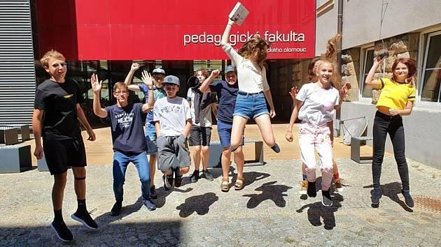 Středoškoláci z celé republiky využili letní kempy UP.