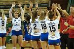 Olomoucké volejbalistky (v bílém) v přípravě proti Bielsku-Biala