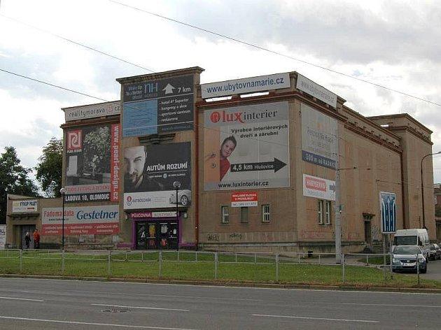 Sídlo bývalého divadla v Hodolanech