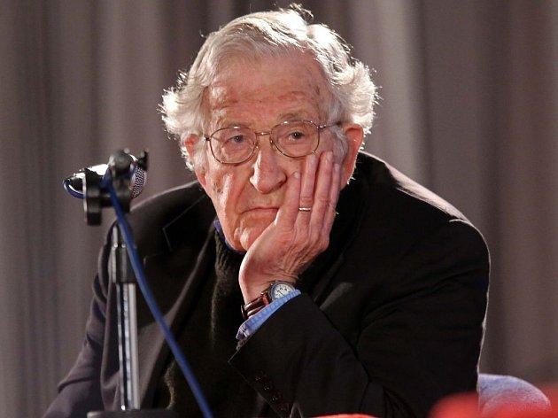 Legenda světové lingvistiky Noam Chomsky