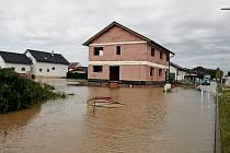 Rozvodněná Oskava v Pňovicích 8. a 9. června 2020